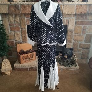 Ladies Polka Dot Crinkle Outfit